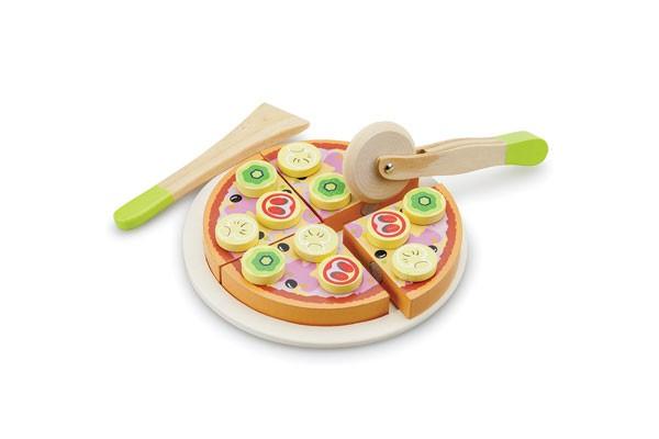 Gemüsepizza schneiden